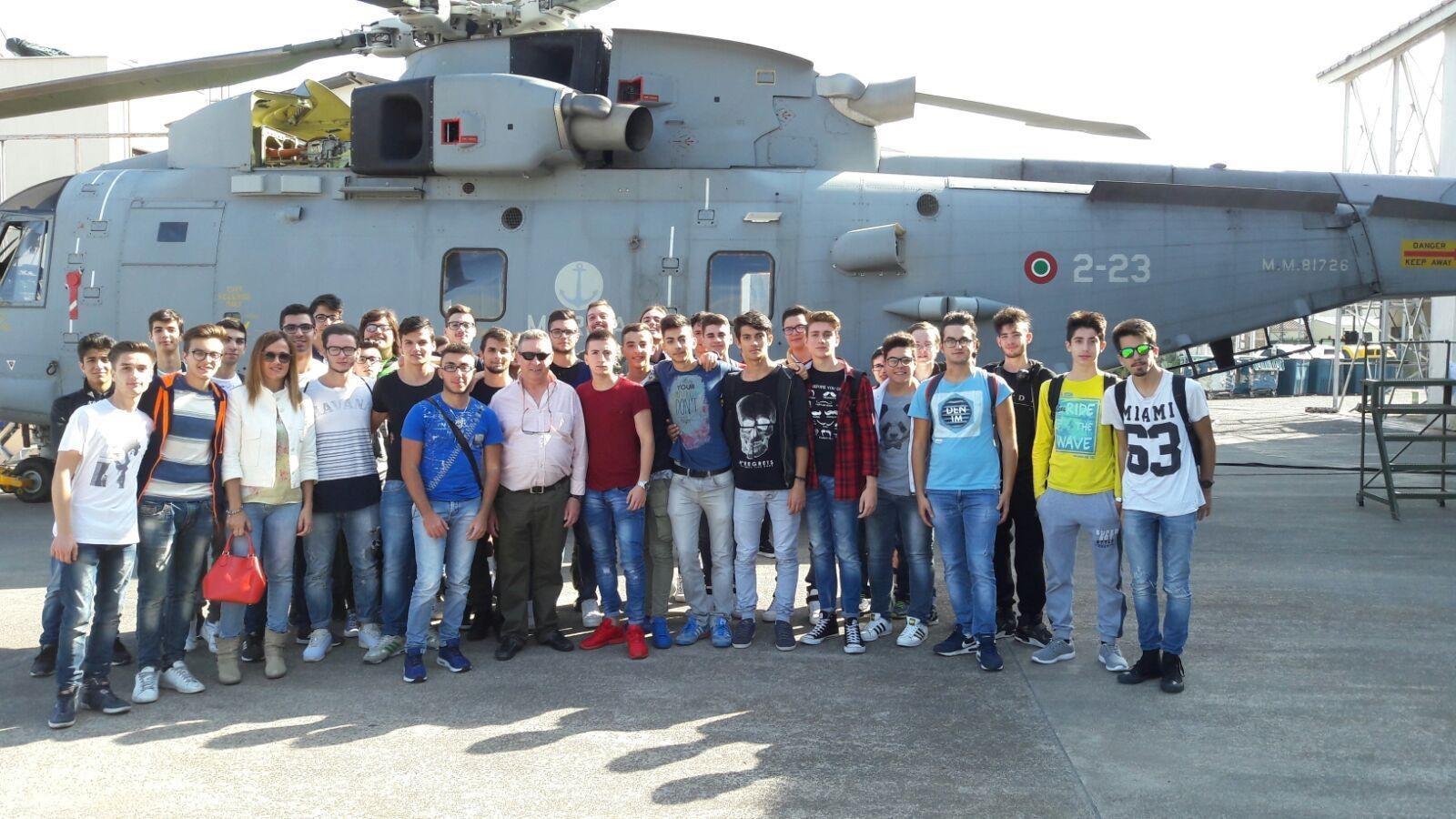 I ragazzi dell 39 itt e majorana di milazzo visitano la base for Disegni base della cabina