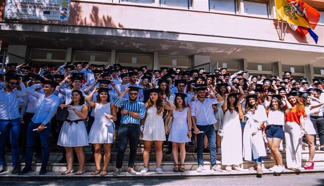 """Cerimonia di consegna dei diplomi di maturità all'I.T.T. """"Ettore Majorana"""" di Milazzo"""