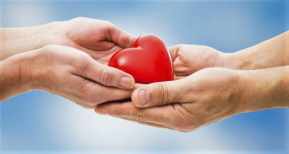 Nella società di oggi invece, il concetto del dono ha in parte mutato il suo significato, divenendo un semplice regalo da fare durante le festività, come qualcosa di dovuto che tendiamo a dare per scontato