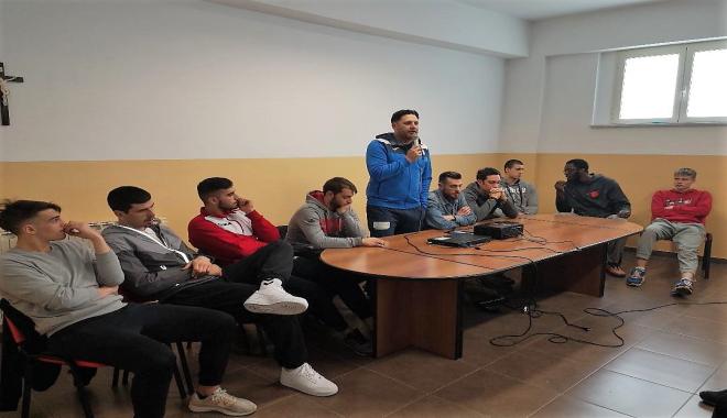 OR.SA. Basket Barcellona incontra gli alunni della Verga