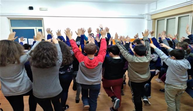 SPORTIAMO…CRESCERE IN MOVIMENTO L'iniziativa Sportiamo… Crescere in movimento è collocata nel progetto dell'Istituto Salute-Benessere.