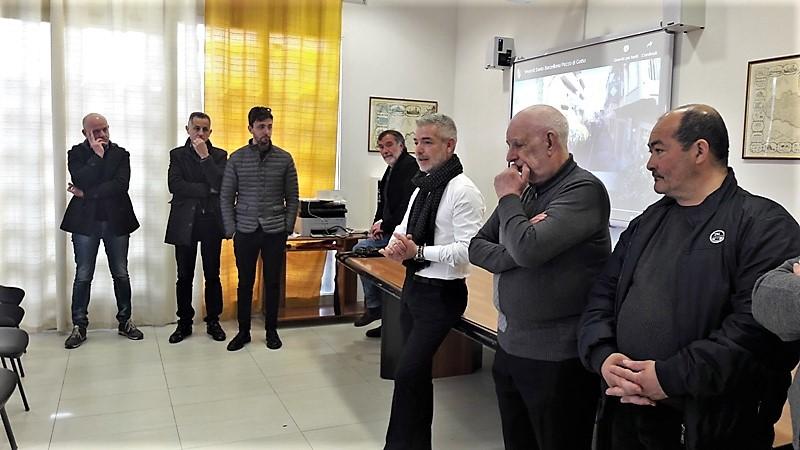 """il gruppo esecutore della tradizionale """"Vexilla Regis""""."""