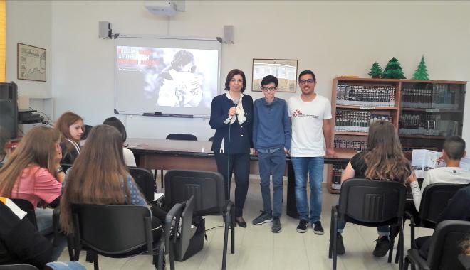 """Incontro con """"Medici Senza Frontiere"""" all'Istituto Comprensivo """"Foscolo"""""""