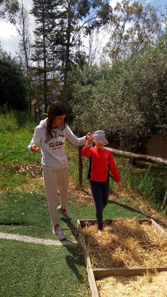 La natura …che meraviglia: i bambini con i piedi per terra