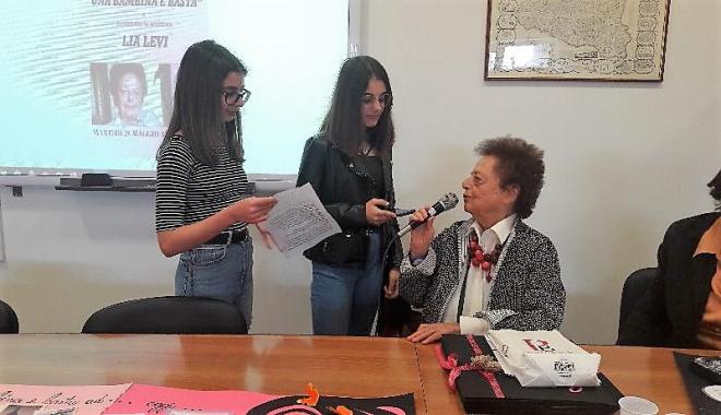 INTERVISTA A LIA LEVI, OSPITE DELL'I.C. FOSCOLO