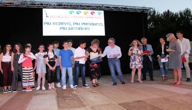 """La """"Foscolo"""" vince il 2° concorso """"+Scrivo +Produco+Informo"""""""