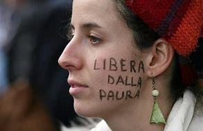 """CHIAMARLO AMORE NON SI PUO': l'amore e la """"violenza economica"""""""
