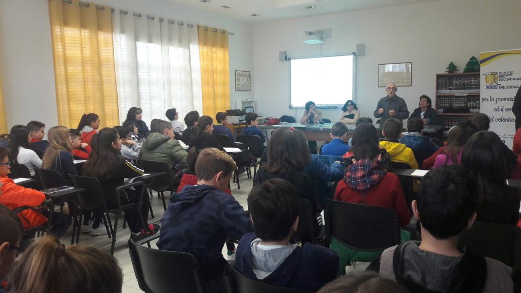 Volontariato: un incontro per sensibilizzare gli alunni della Foscolo
