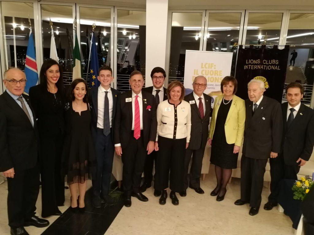 Prima donna presidente Lions Club International visita Barcellona P.G.