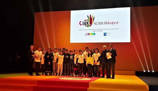 """Al """"Ciak Scuola Film Fest"""" premio della Critica I.C. """"Foscolo"""""""
