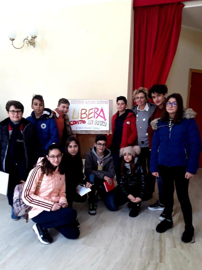 Don Luigi Ciotti incontra gli studenti al Teatro Trifiletti
