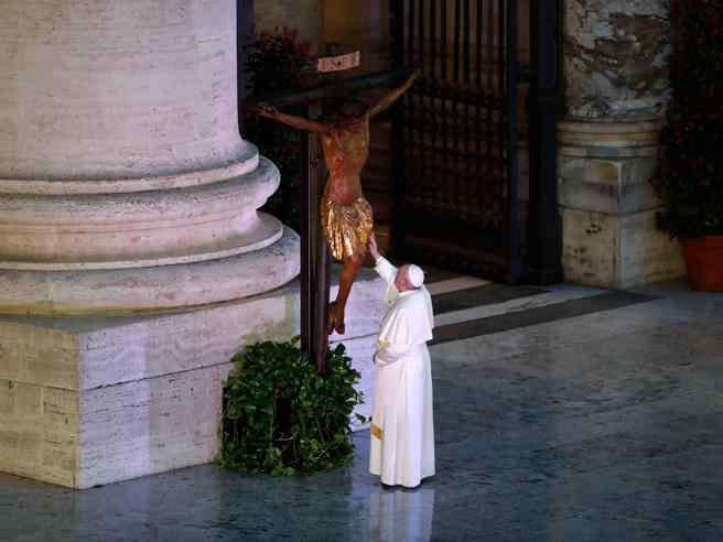Papa Francesco, grande timoniere: grazie