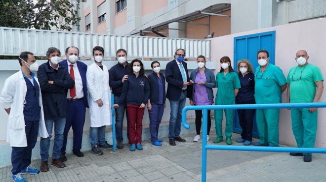 L'Ateneo consegna 10 tablet ai reparti Covid del Policlinico per le esigenze dei pazienti